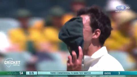 No-ball-costs-Starc-an-early-wicket-still