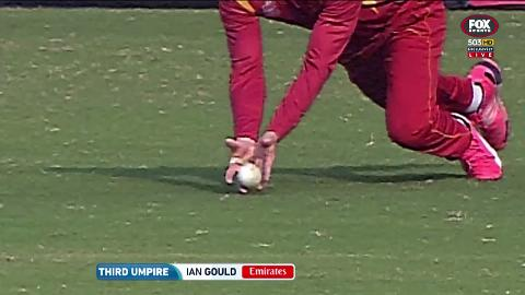 Third-umpire-rules-Zimbabwe-catch-bounced-still