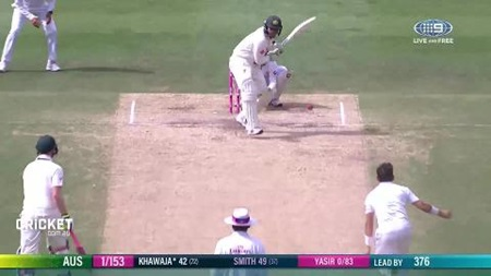 Khawaja piles on the runs on day four
