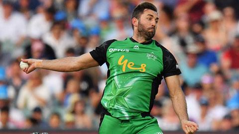 Plunkett-picks-up-four-in-Adelaide-still