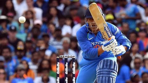 Dhoni delivers to lead India fightback
