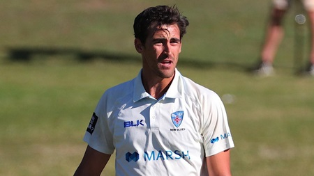 Sizzling Starc sends down unplayable yorker