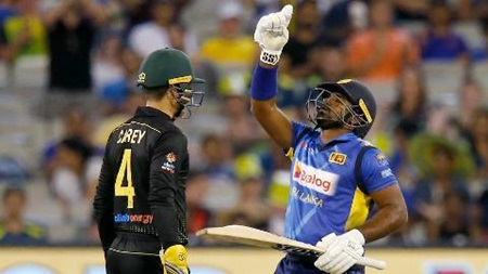 Perera posts fighting fifty in Melbourne