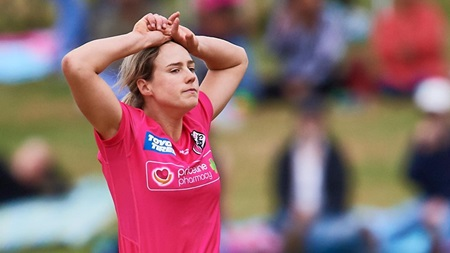 Injury scare for superstar allrounder Ellyse Perry