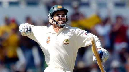 From the Vault: Langer plunders Pakistan for 191