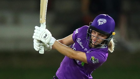Carey crafts match-winning fifty