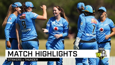 Devine strikes down Thunder in Wollongong