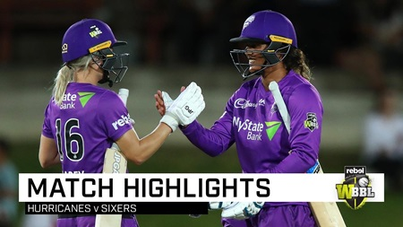 Hurricanes stun Sixers to make WBBL history
