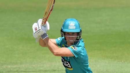 Mooney's outrageous WBBL season  continues