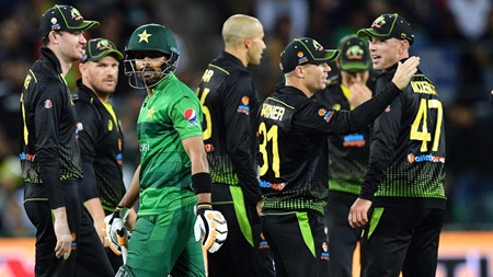 Late fireworks push Pakistan to 6-150