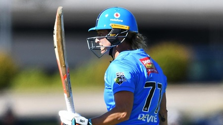 Devine's dashing half-century not enough for Strikers