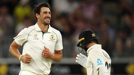 Watch all five NZ wickets to fall in frenetic final session