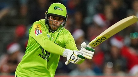 Khawaja finds form with vital fifty for Thunder