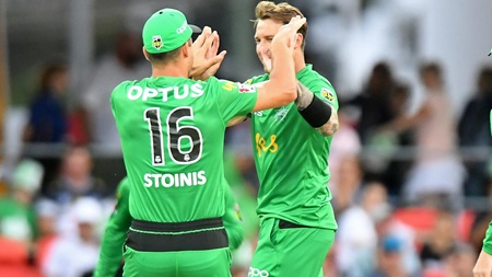 Watch Dale Steyn's first Big Bash League over