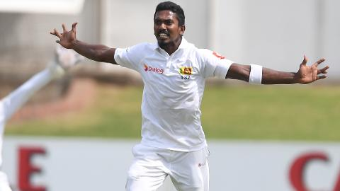 Lankans-pounce-in-search-of-history-still