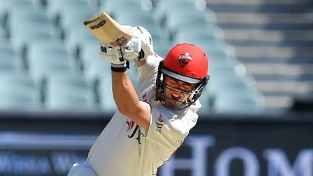 Head cracks fighting fifty for Redbacks