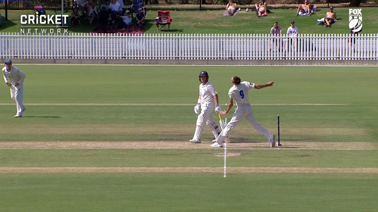 Vics-rue-no-ball-non-call-as-NSW-strike-still