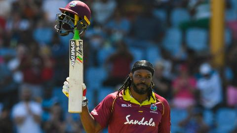Dominant Gayle bosses England again