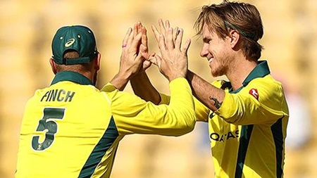 'Freakish' dismissal boosts Australia