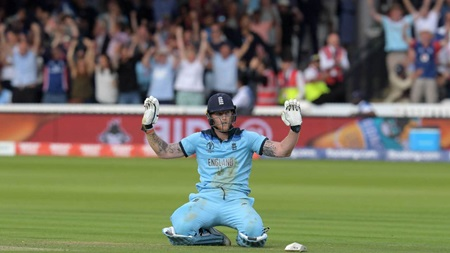 Stokes, Boult star in match-defining sequence