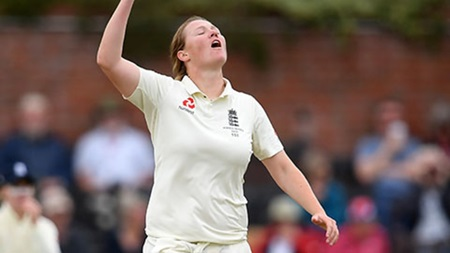 Shrubsole reflects on frustrating opening day