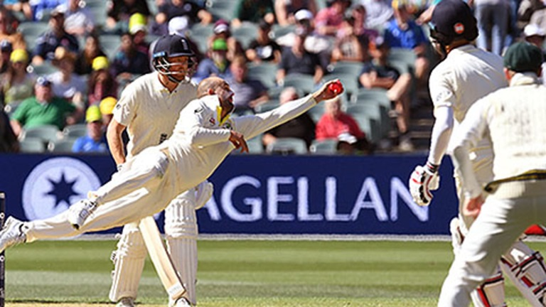 Nathan-hit-me-here-Ponting-on-Lyon-v-Moeen-still
