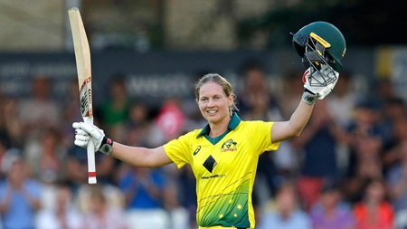 Lanning breaks records in stunning T20 knock
