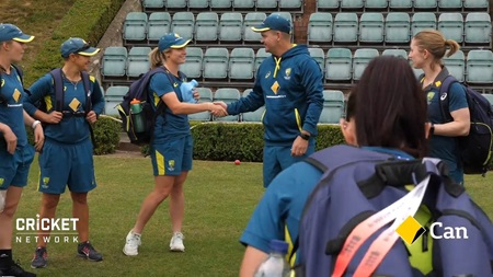 Molineux joins Ashes squad as Aussies train with red ball