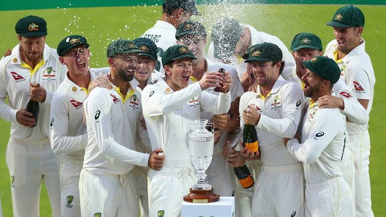 Day-four-wrap-England-level-series-but-Aussies-lift-the-urn-still