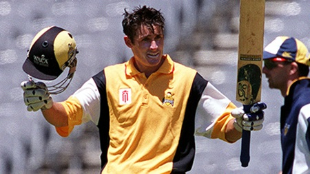 From the Vault: Mike Hussey tons up at the MCG