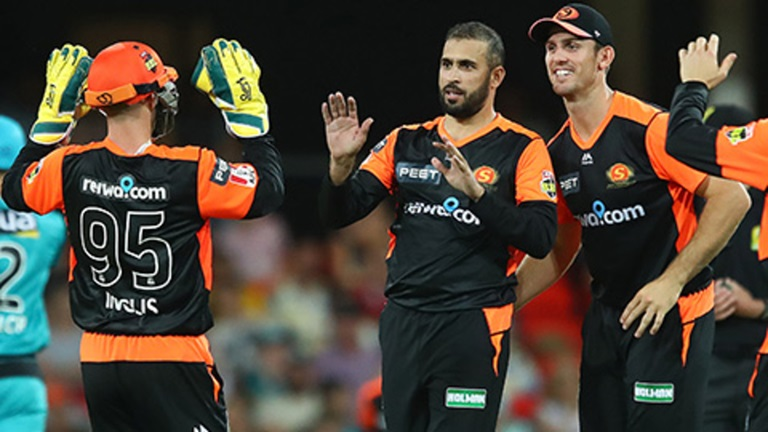Fawad-bags-three-as-Scorchers-spin-through-the-Heat-still