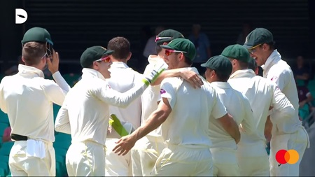 How teamwork drives Starc and the Aussies