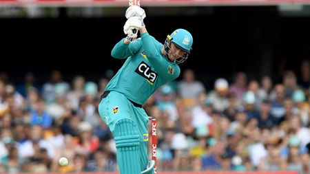 Renshaw guides Heat to victory with unbeaten fifty