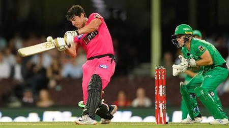 Henriques rains sixes to stun Stars in Sydney