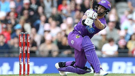 Wade's wild innings gets Hobart off to a flyer