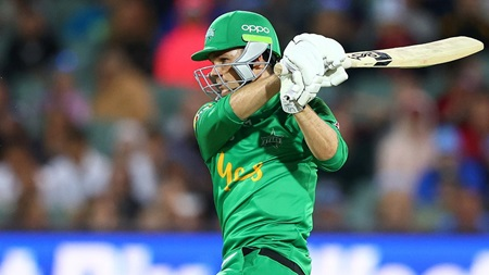 Handscomb posts unbeaten rapid 65 in Stars return