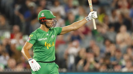 Superb Stoinis lays foundation for Stars chase