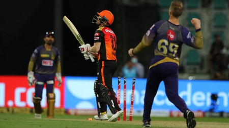 Lethal Lockie outshines Warner in Super Over thriller