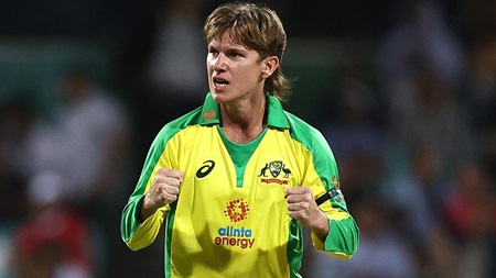 Zampa holds his nerve to grab four key wickets