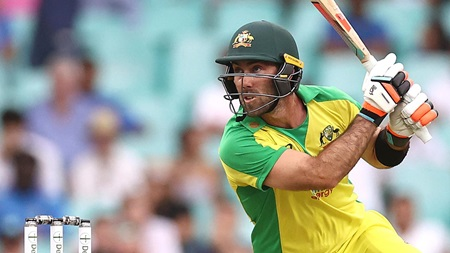 'Freakish' Maxwell puts the cherry on top of Aussie innings