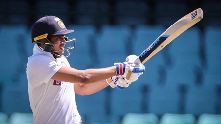 Gill impresses with classy 65 at the SCG