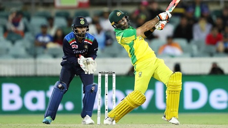 Jadeja vu: Maxwell launches back-to-back sixes