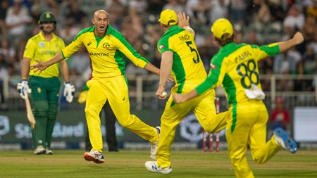 Ashton Agar's stunning hat-trick against South Africa