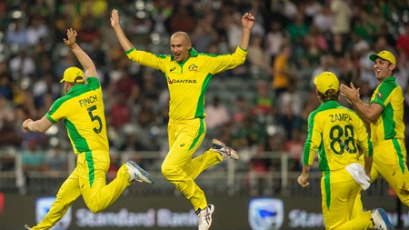 Aussies crush Proteas in record-breaking win