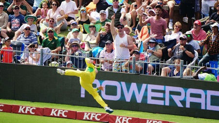 Super Smith soars to save sixes on the boundary