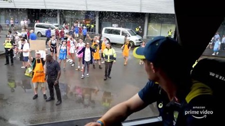Sneak peek: Rowdy England fans greet Aussie bus