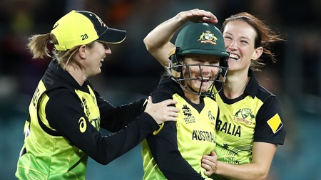 Aussies easily handle Bangladesh in first ever meeting