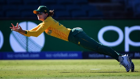 Stunning grab proves Wolvaardt's catching prowess