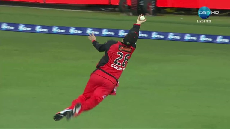 Classic-Catch-Flying-Coopers-Big-Bash-blinder-still