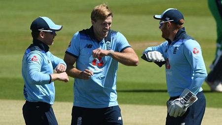England ease to six-wicket win over Ireland in ODI opener